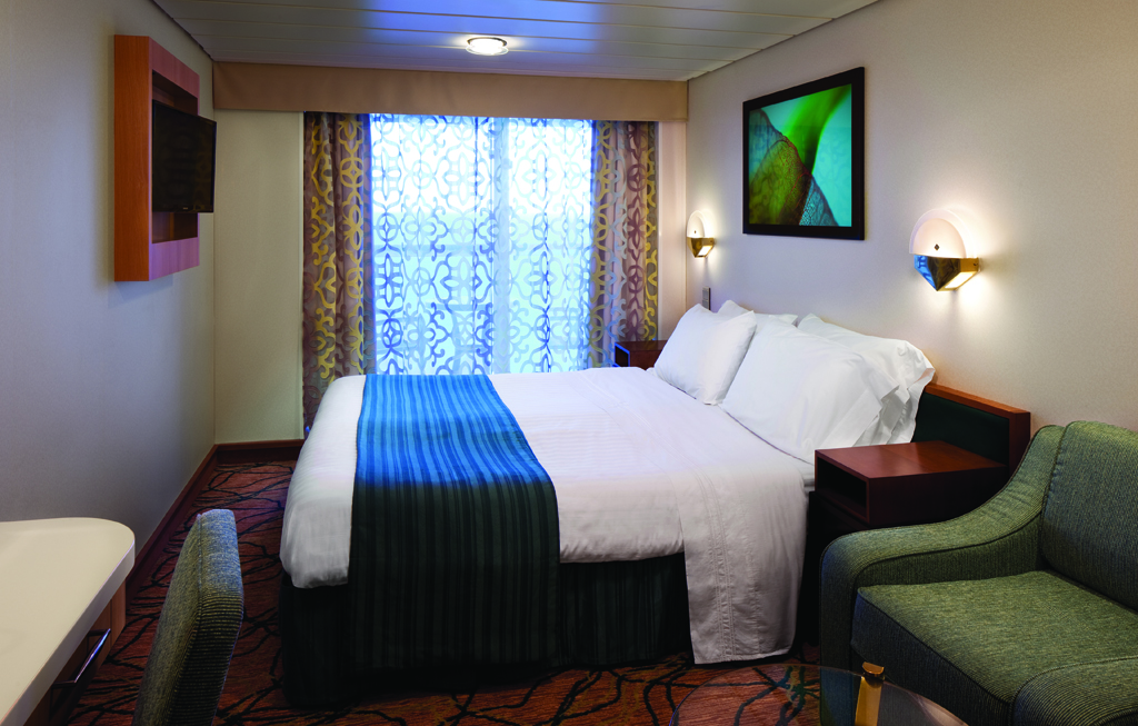Royal caribbean cruises ship vision of the seas vision for Balcony stateroom