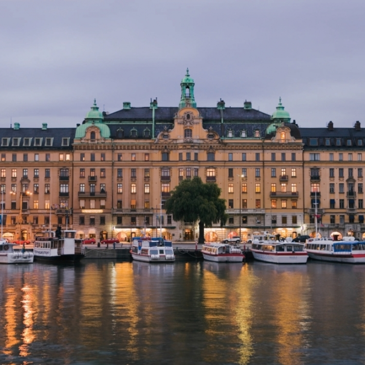 $300 Bonus Credit for Northern Europe
