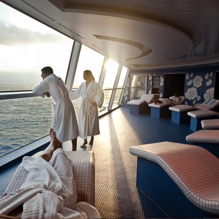 Celebrity Cruises - Summer Savings Event - Save up to $200 Plus Choose Your Perk