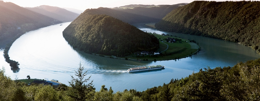 http://www.cruisereservationsdirect.com/images/thumbs/ships/900/350/DO_DLX_DONAU_01_39L__07.jpg